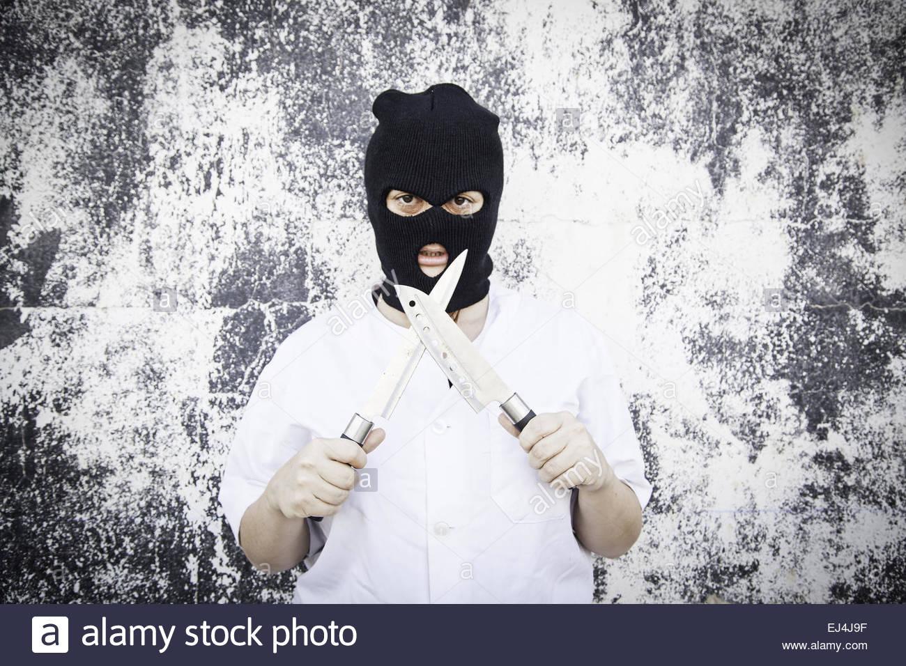 Femme violente avec masque sanglant, halloween Photo Stock