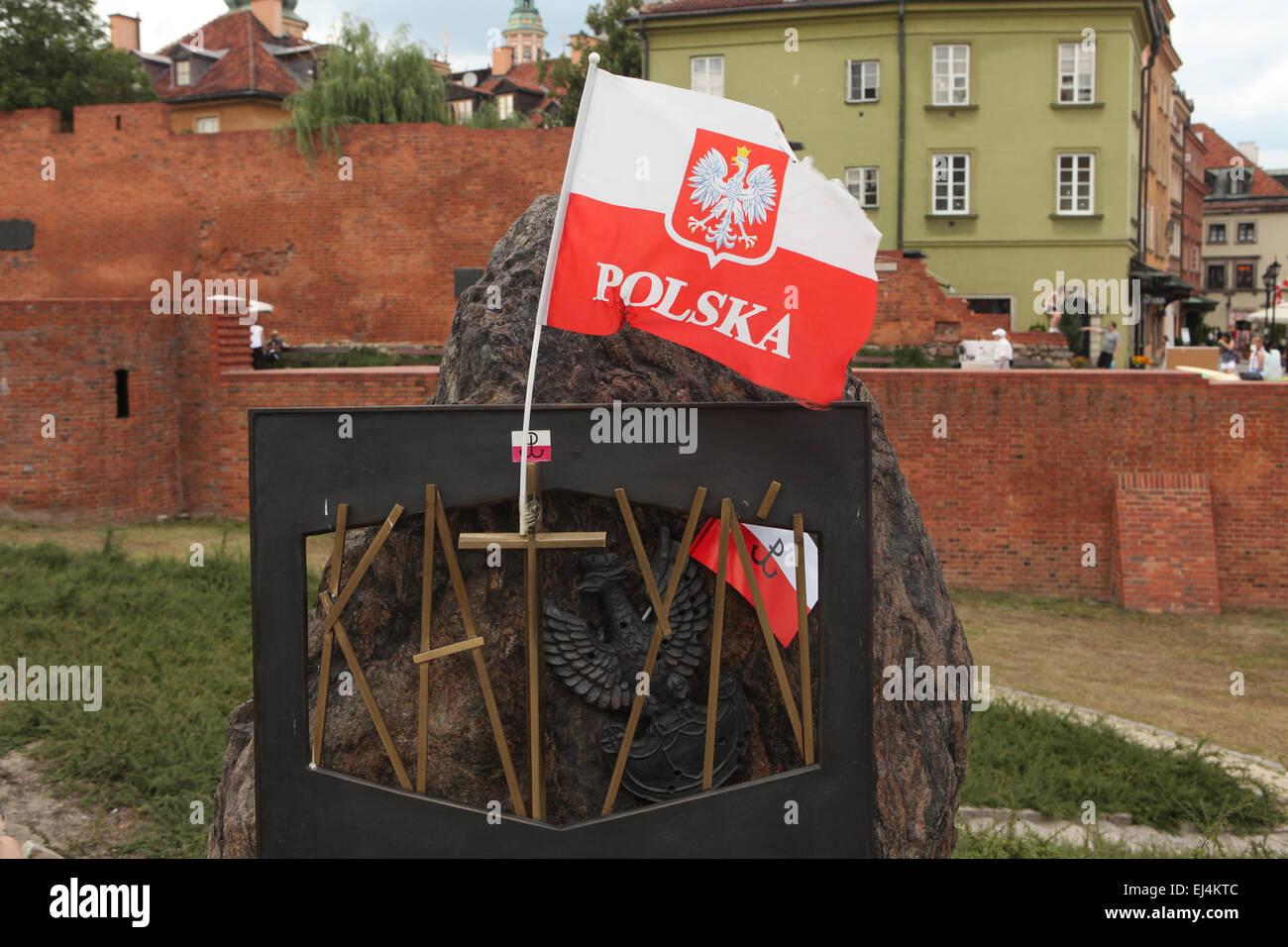 Mémorial de Katyn dédié aux victimes du massacre de Katyn (1940) à Varsovie, Pologne. Banque D'Images