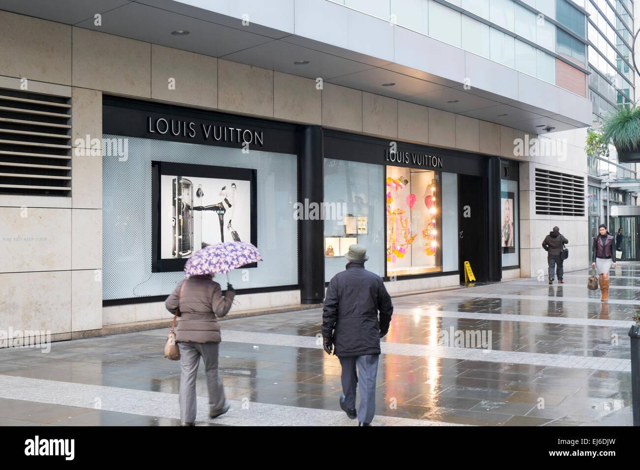 af37ccc8dd Louis Vuitton shop magasin dans le centre-ville de Manchester, Manchester  en Angleterre