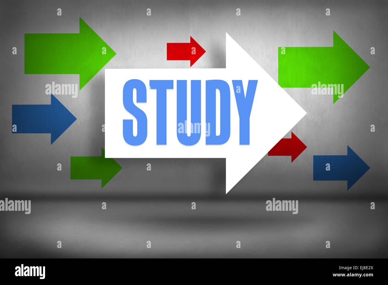 L'étude en regard des flèches pointant Photo Stock