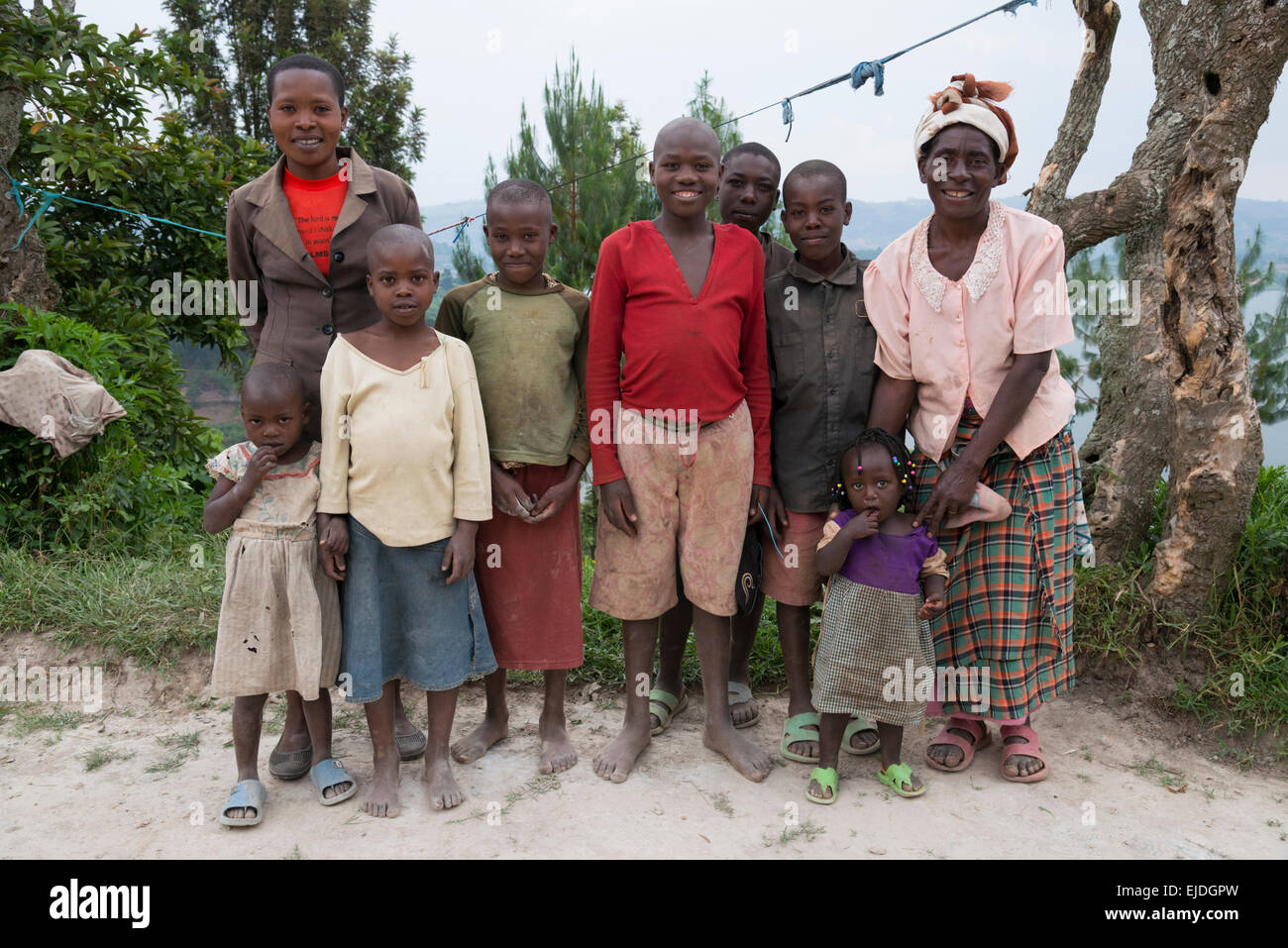 Famille d'agriculteurs. pause lac Bunyonyi. L'Ouganda. Photo Stock