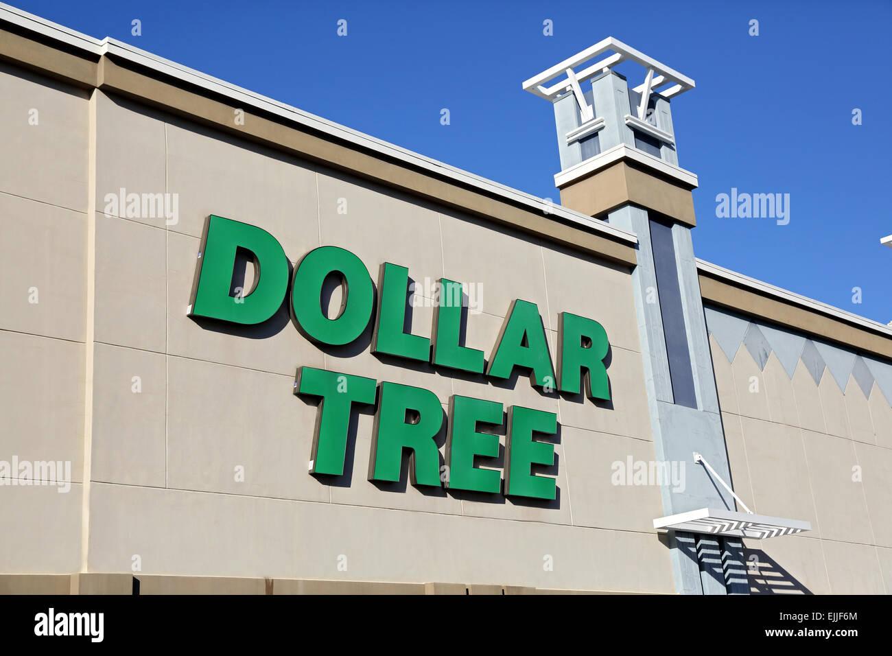 Dollar Tree store front signe, commerce de détail boutique avant, USA Photo Stock