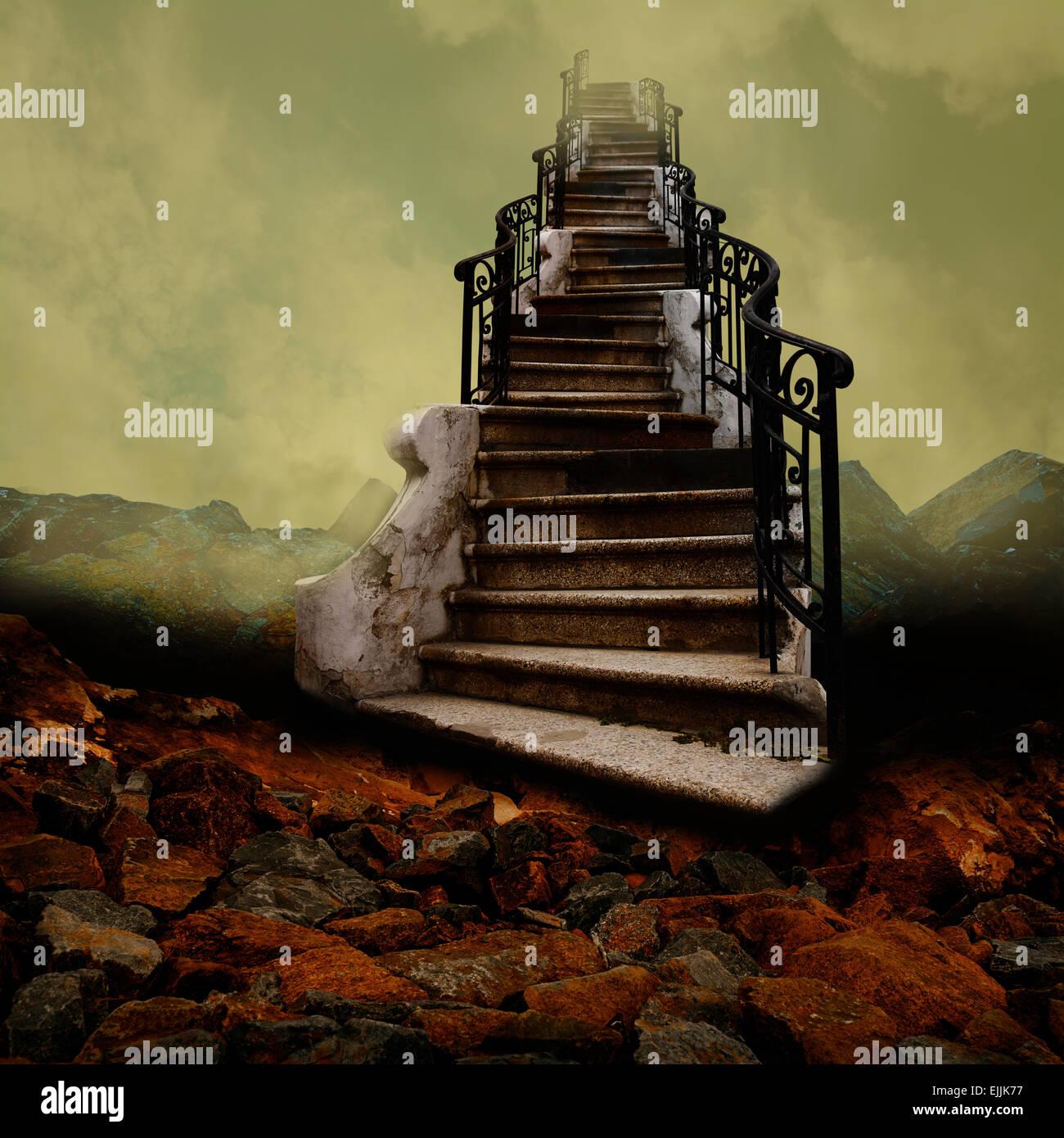 Escalier surréaliste vers le ciel, comme une vieille peinture. Photo Stock