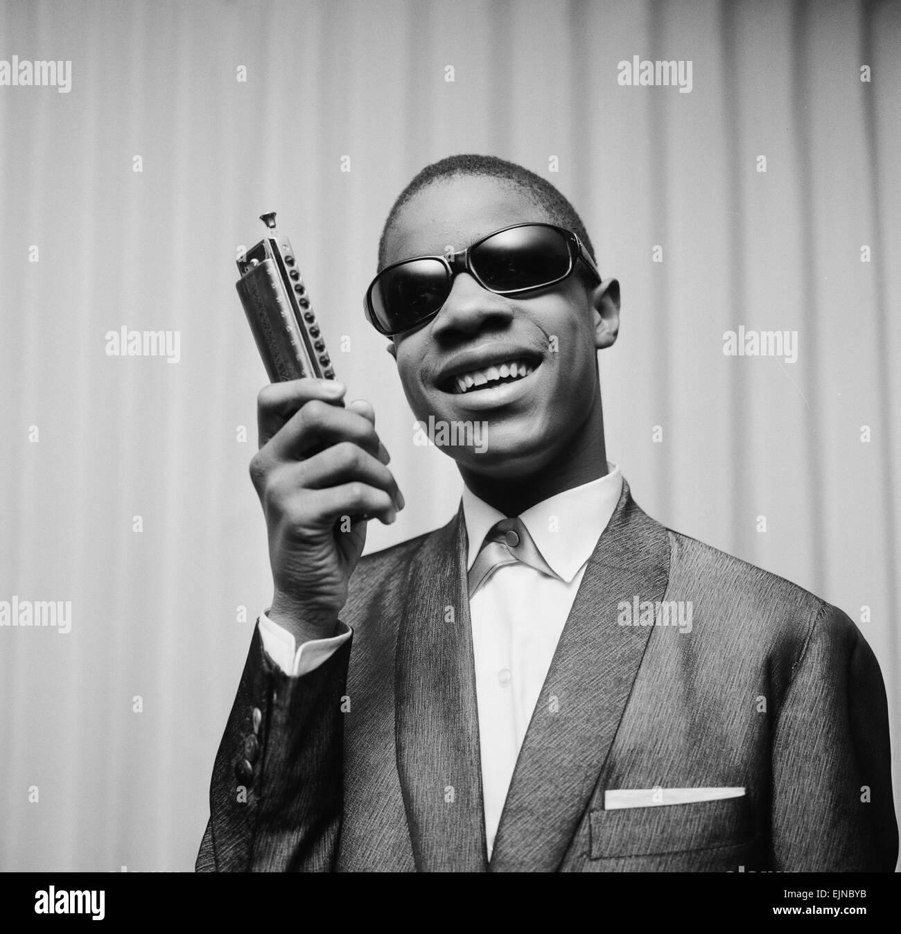 Stevie Wonder encore de prodige qui, à l'âge de seulement 13 ans a emballé le Théâtre Photo Stock