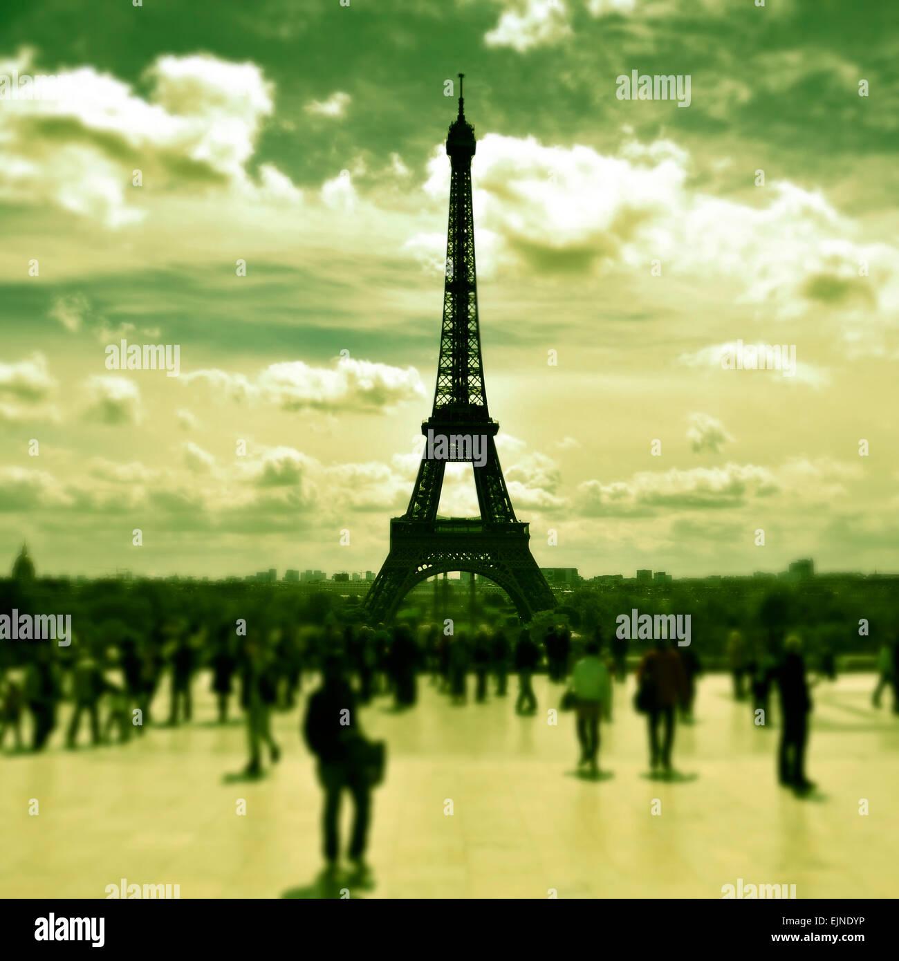 La Tour Eiffel Vue Depuis Les Jardins Du Trocadero A Paris France