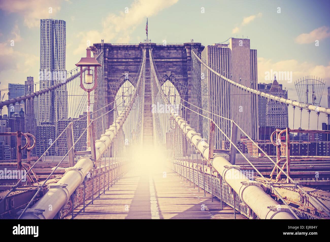 Vintage photo filtrée du pont de Brooklyn à New York. Photo Stock
