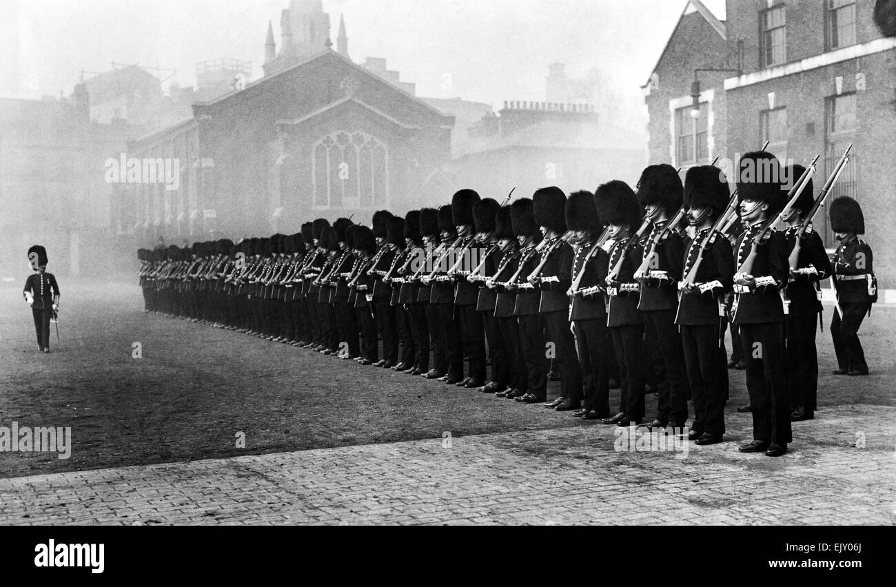 L'Honorable Artillery Company former jusqu', Londres, vers 1910. P015232 Photo Stock