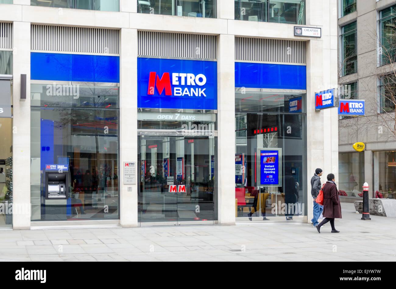 Metro Bank, Cheapside, Londres, UK Photo Stock