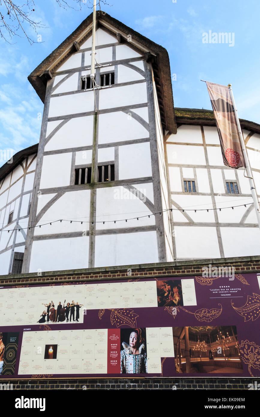 Le Globe Theatre, associé à William Shakespeare, Bankside sur la rive sud de l'Embankment, London SE1 Banque D'Images