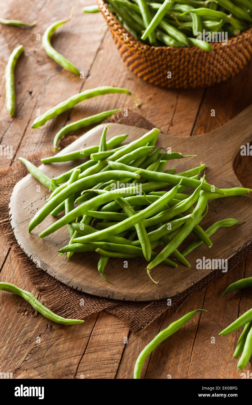 Haricots verts biologiques crus prêt à manger Photo Stock