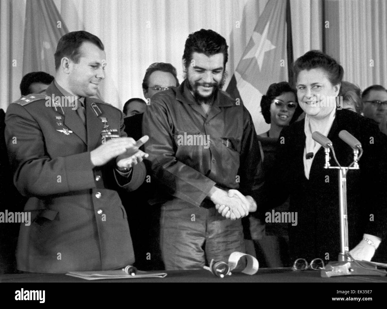 Yuri Gagarin And Ernesto Che Guevara Photos Yuri Gagarin And