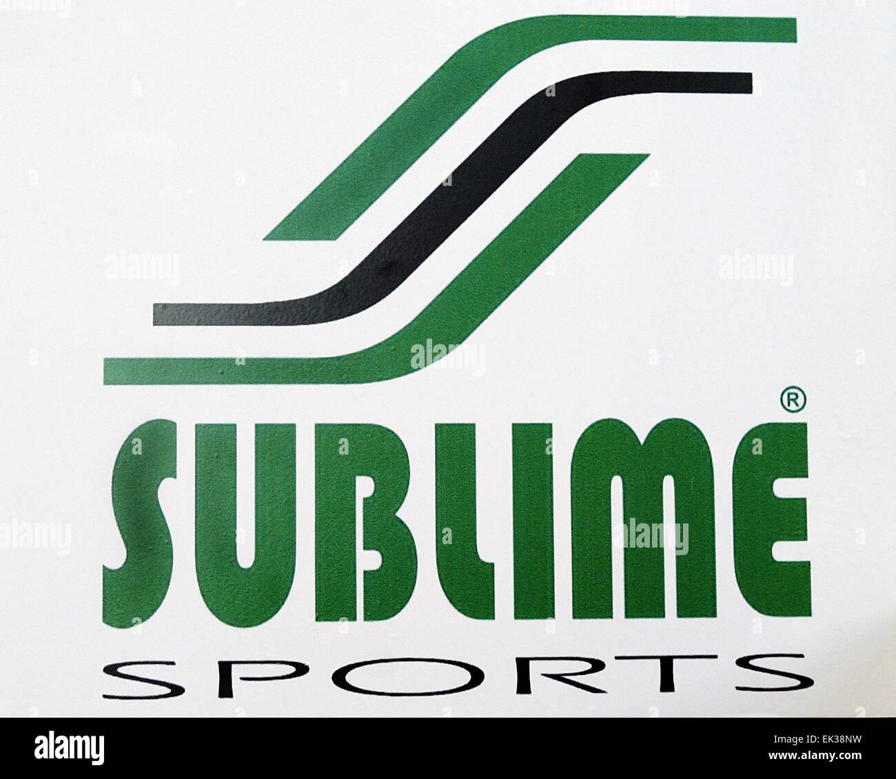 Moscou russie un logo marque commerciale de la socit sport un logo marque commerciale de la socit sport sublime le pakistan qui a prsent ses produits lispo russia salon international des marques de sport thecheapjerseys Images
