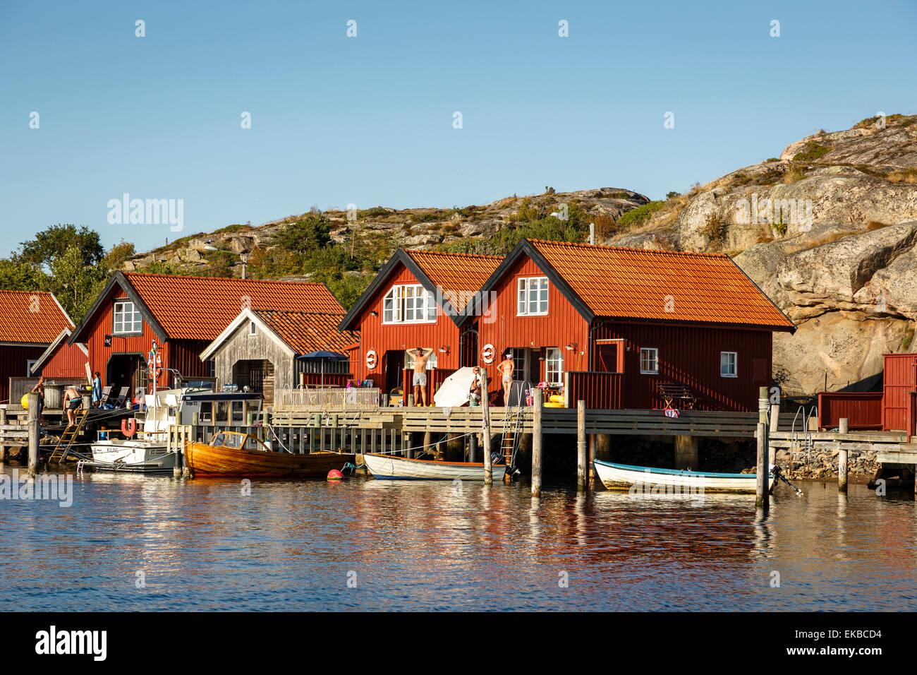 Maisons bois, Grebbestad, Bohuslan, région de la côte ouest, la Suède, Scandinavie, Europe Photo Stock