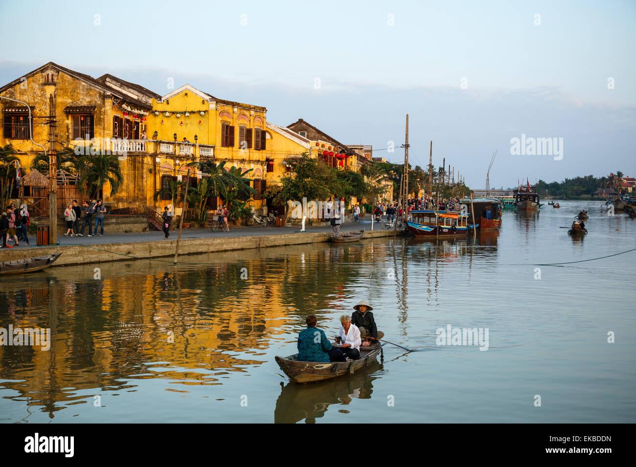 Bateaux à la rivière Thu Bon, Hoi An, Vietnam, Indochine, Asie du Sud-Est, l'Asie Photo Stock