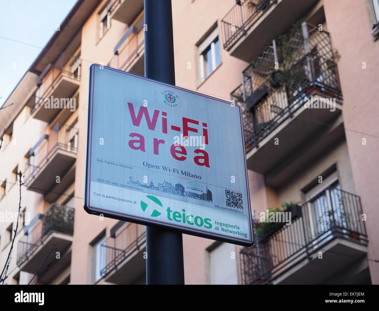 Zone Wi-Fi signe, Corso Garibaldi street, quartier de Brera, Milan, Lombardie, Italie, Europe Photo Stock