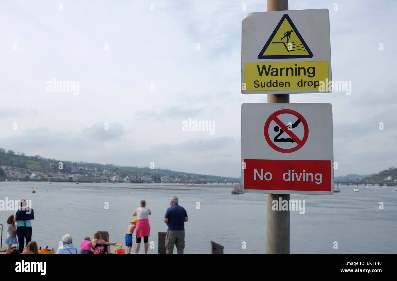 Aucun signe de plongée à quai à Teignmouth Devon England UK Photo Stock
