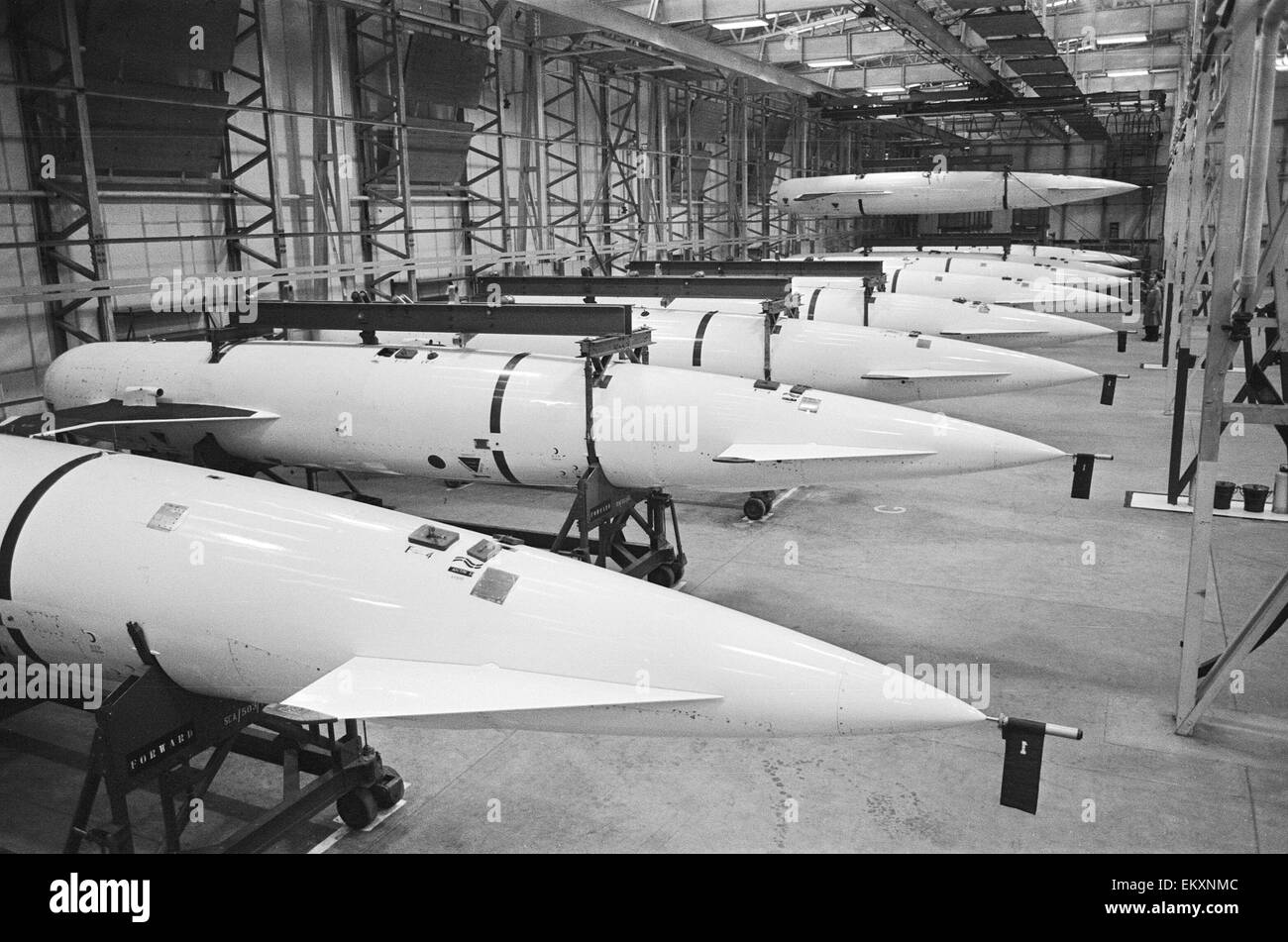 Missiles Thor dans hangar. 1963. Photo Stock