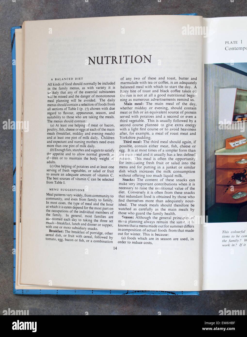 La Nutrition Chapitre Page de Mme Beetons Livre de cuisine de tous les jours Photo Stock