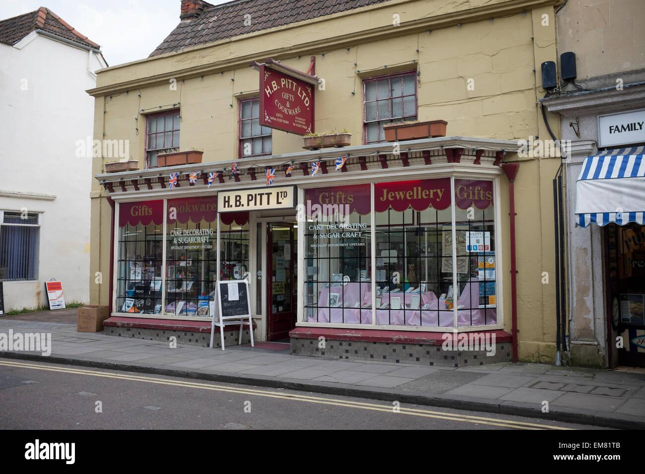 H B Pitt Ltd et une batterie de cadeaux Shop Trowbridge Photo Stock