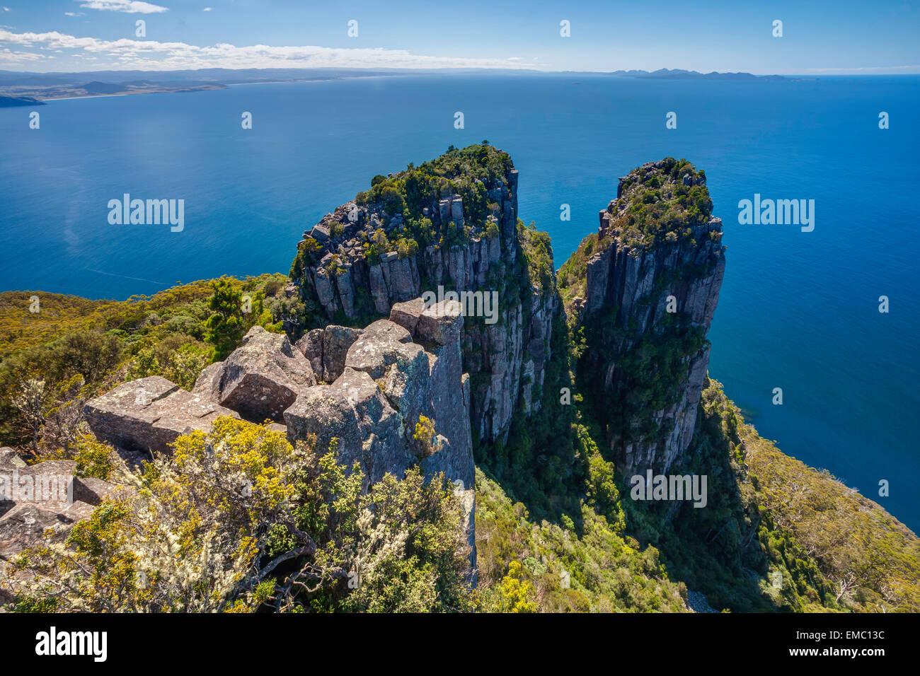 Vue du Mt Bishop et Clerk - Maria Island National Park - Tasmanie - Australie Photo Stock