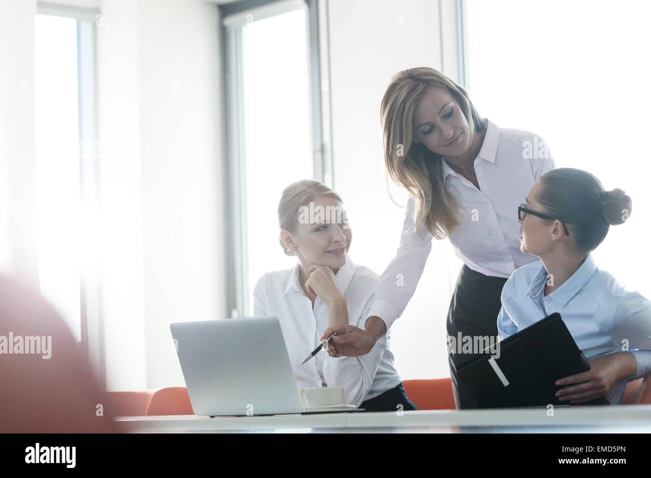 Atelier d'affaires dans l'élaboration de nouvelles idées Photo Stock