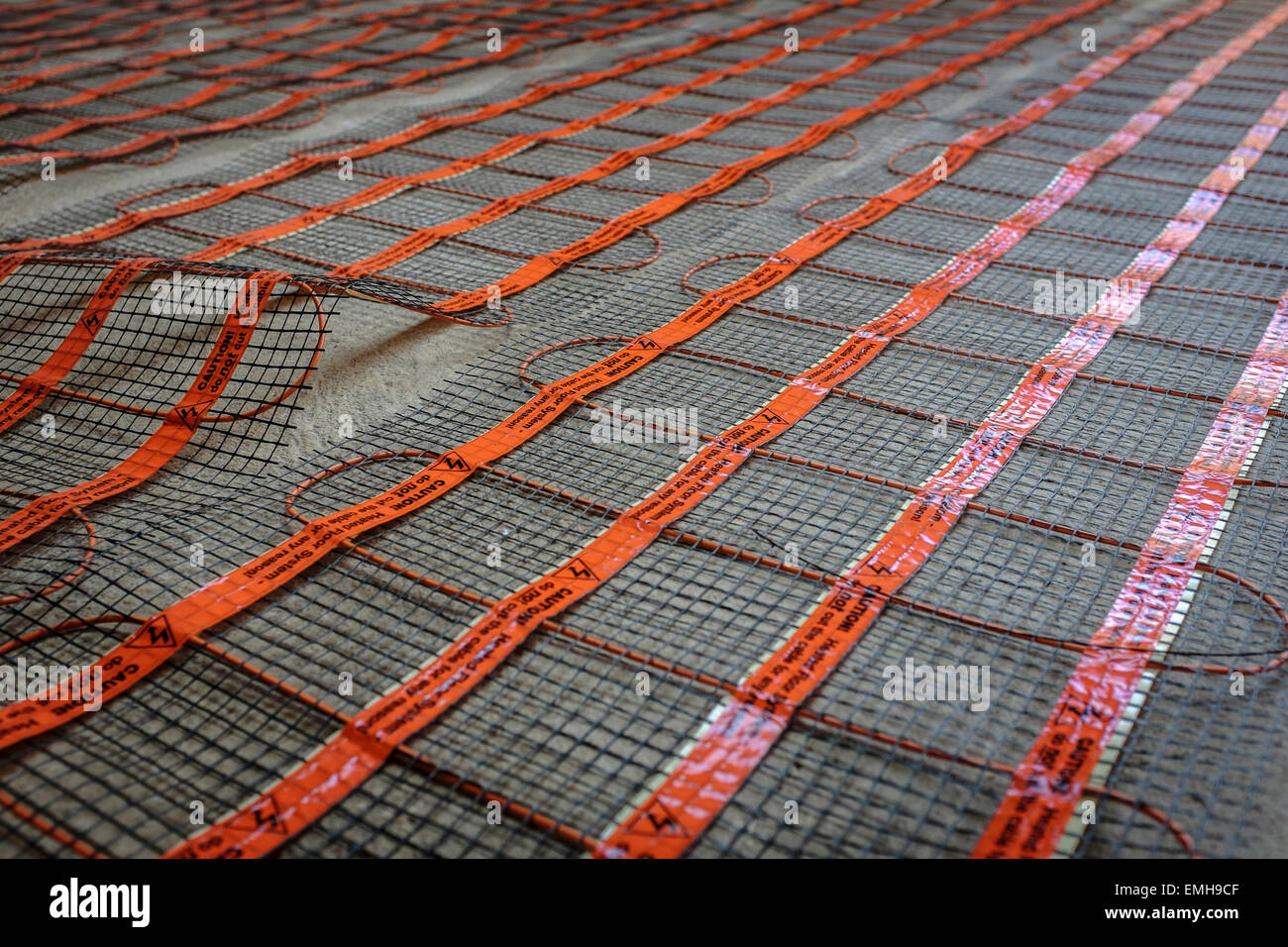 Chauffage Au Sol Electrique Pose chauffage au sol ; l'installation mat mat est posé sur une