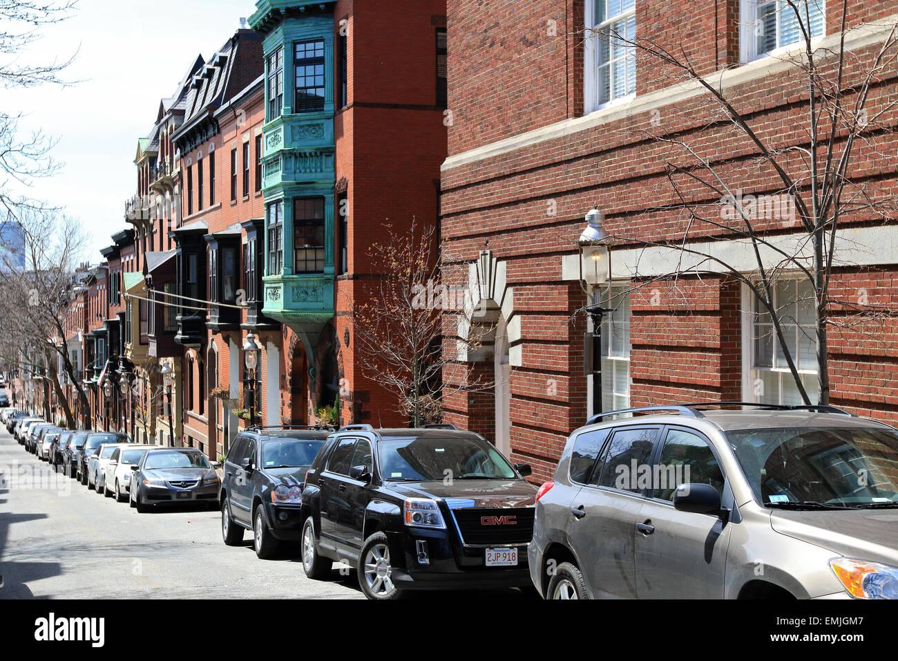 Boston Massachusetts Bunker Hill appartements et condominiums scène de rue. Photo Stock
