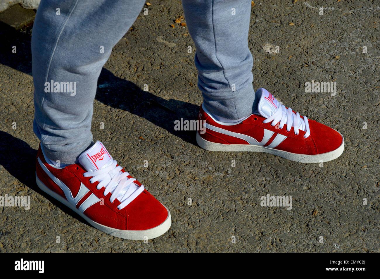 Chaussures De Les Jeunes Portant Cuir Hommes En Une Paire Everlast hdtQrsC