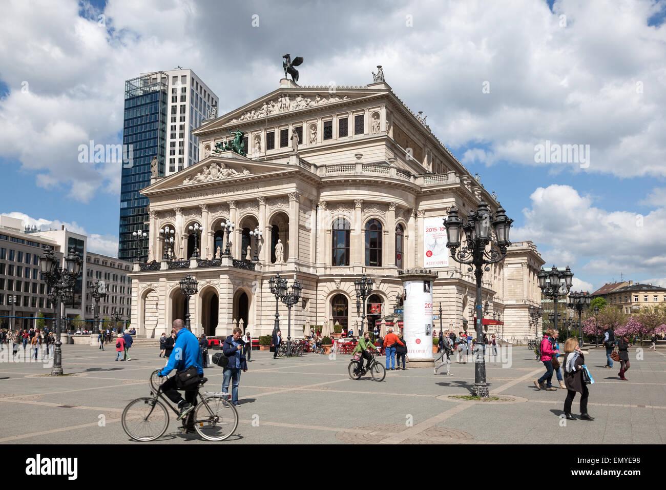 L'Alte Oper - une salle de concert et l'ancien opéra de Frankfurt am Main, Allemagne Photo Stock