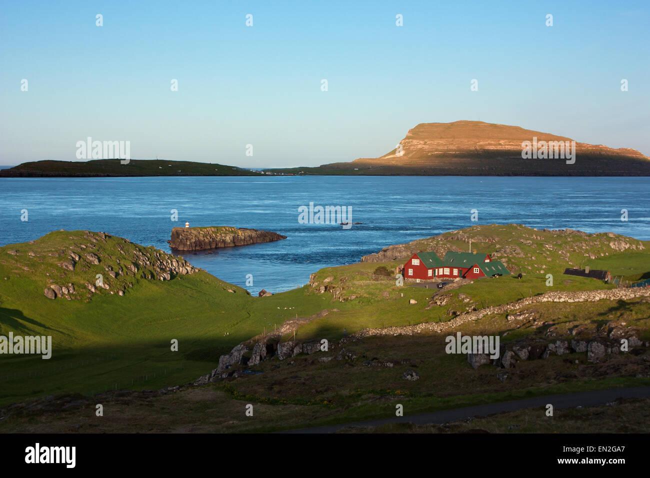 Paysage au coucher du soleil des îles Féroé Photo Stock