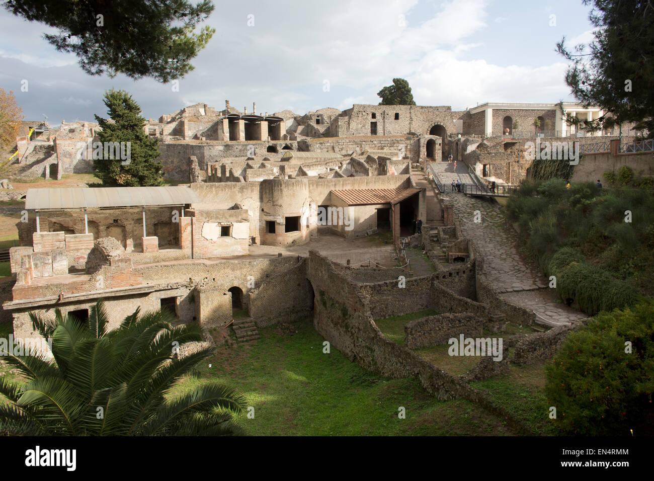 Il y a presque 2 000 ans, la ville de Pompéi fut détruite par une éruption du Vésuve. 20 000 Photo Stock