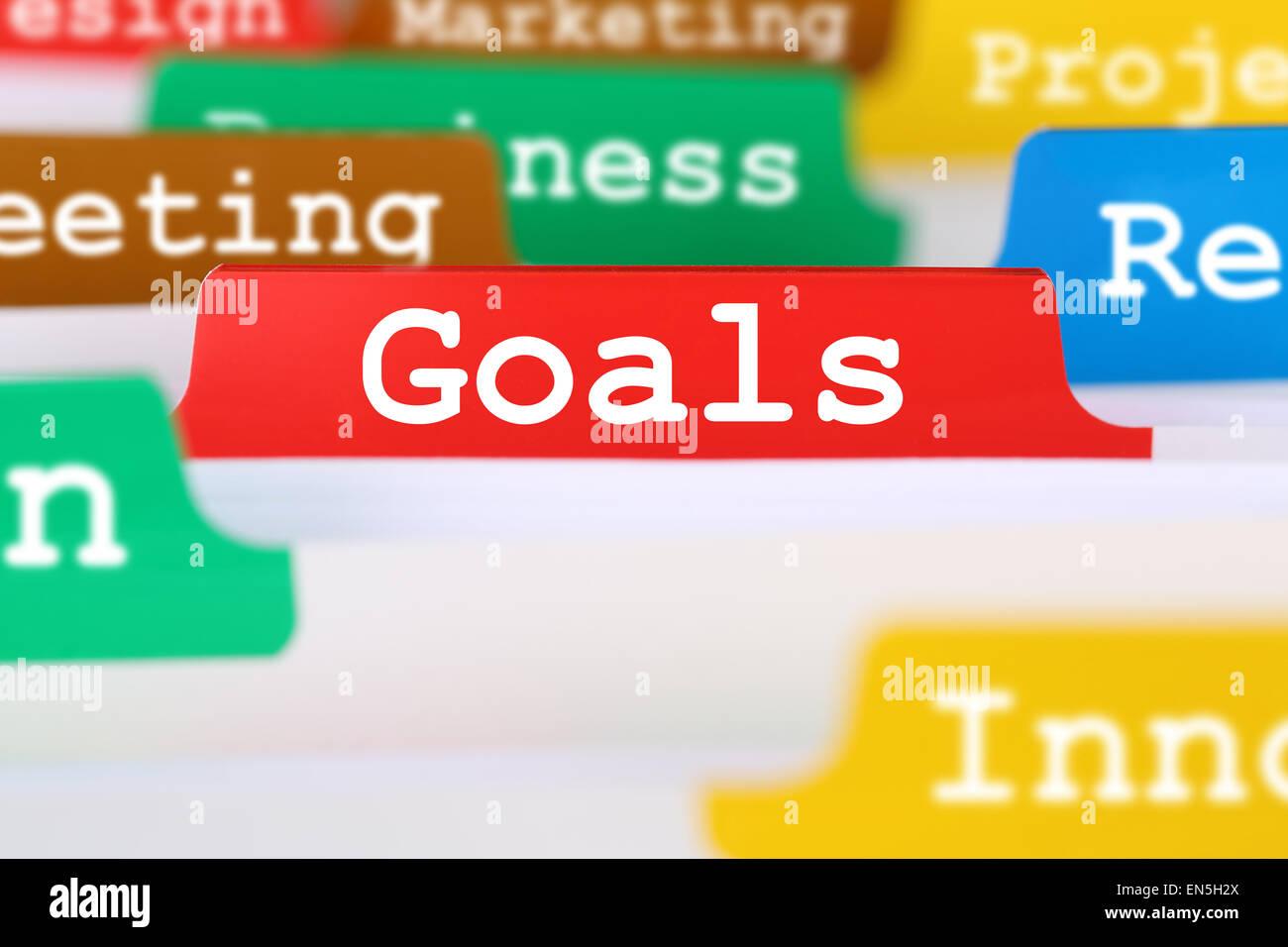 Buts et objectifs concept du bureau d'affaires succès texte sur enregistrer des documents Photo Stock