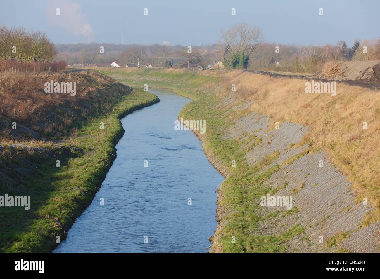 River Seseke, renaturated, Lunen, Rhénanie du Nord-Westphalie, Allemagne|Seseke, renaturiert, Luenen, Nordrhein-Westfalen, Deutschland Banque D'Images