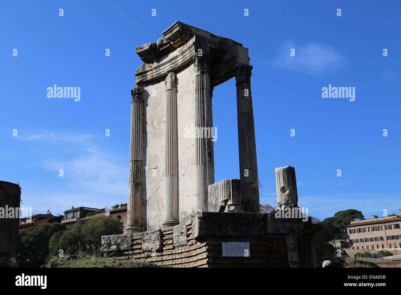 L'Italie. Rome. Forum romain. Temple de Vesta. L'Ancien Empire romain. Photo Stock