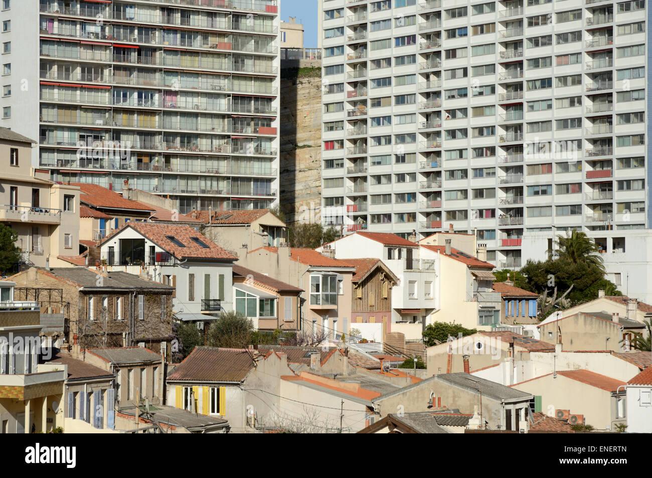 Vieilles Maisons et appartements modernes ou d'immeubles à appartements Vallon des Auffes Marseille France Photo Stock