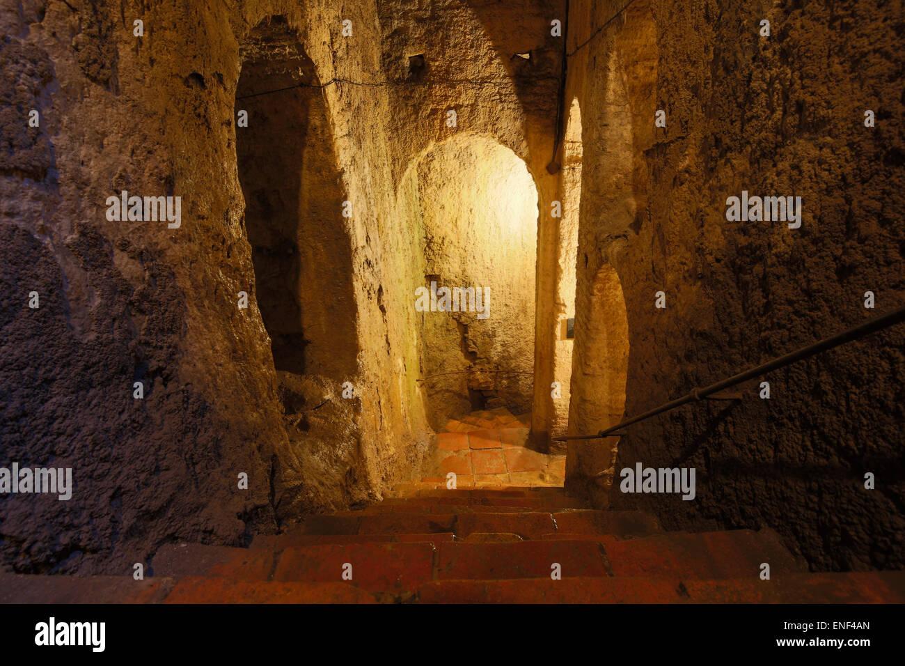Ronda, Province de Malaga, Andalousie, Espagne du sud. La structure militaire arabe du 14ème siècle connu Photo Stock