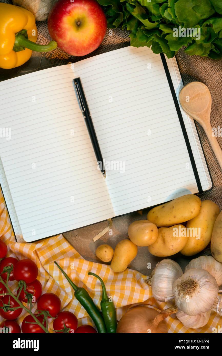 Pages blanches d'un livre de recettes - l'espace pour le texte Photo Stock