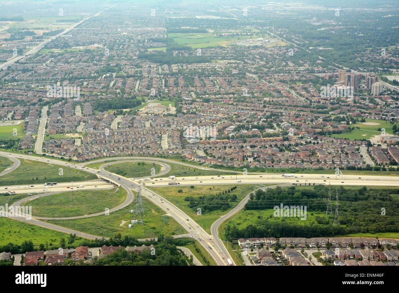 Banlieues et les autoroutes par antenne, Toronto, Canada Photo Stock