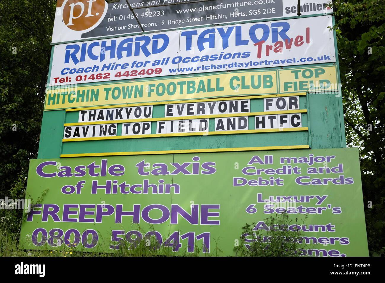 Le Club de Football de la ville de HItchin message de remerciement à la fin de la saison de remercier les fans Photo Stock