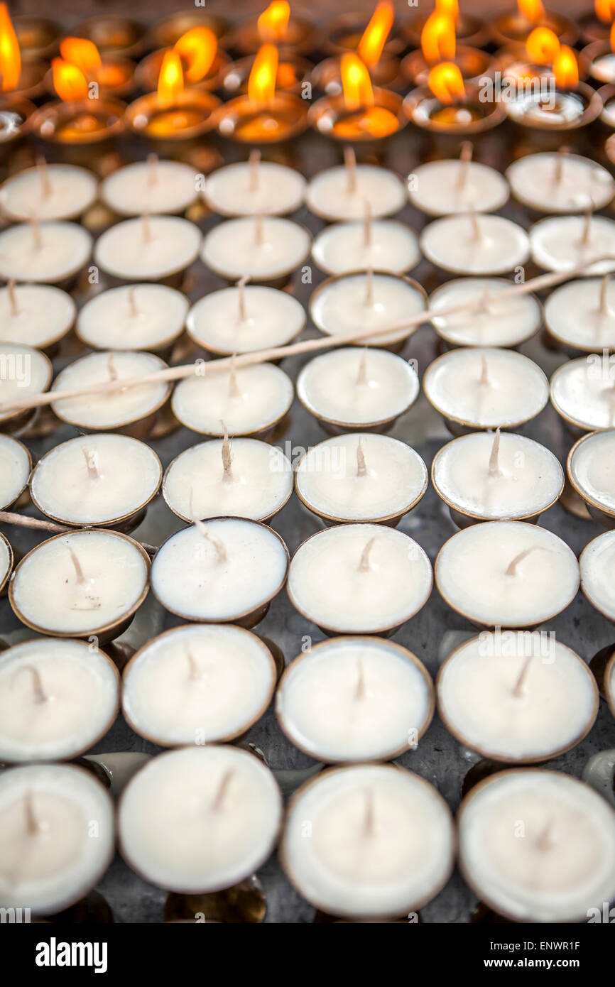 Bougie pour prier à Katmandou, Népal Photo Stock