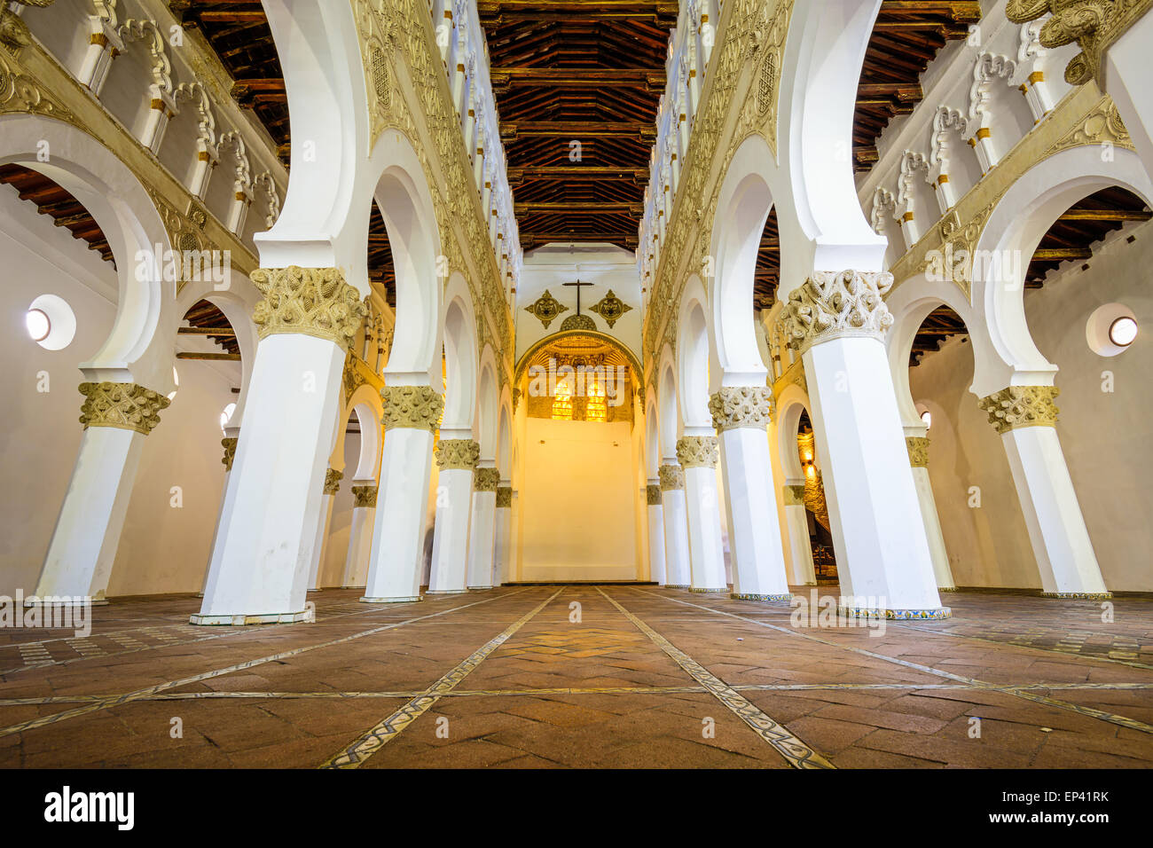 Eglise Santa Maria la Blanca à Tolède, Espagne, oiginally connu sous le nom de Ibn 2888 Synagogue. Photo Stock