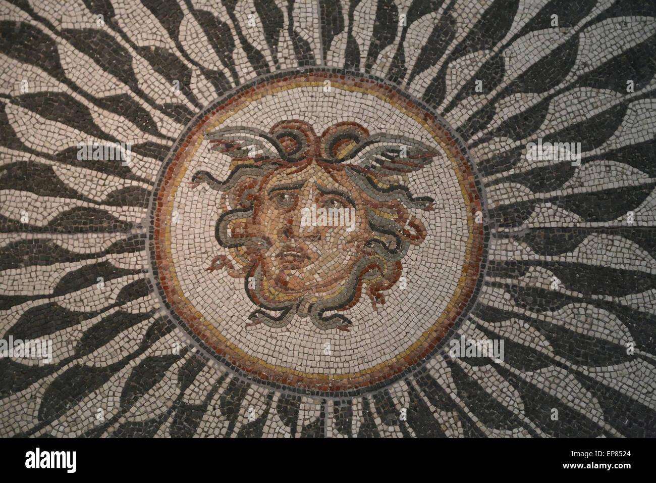 Mosaïque romaine de méduse. Thermes de Dioclétien à Rome. Détail. Musée National Romain. Photo Stock