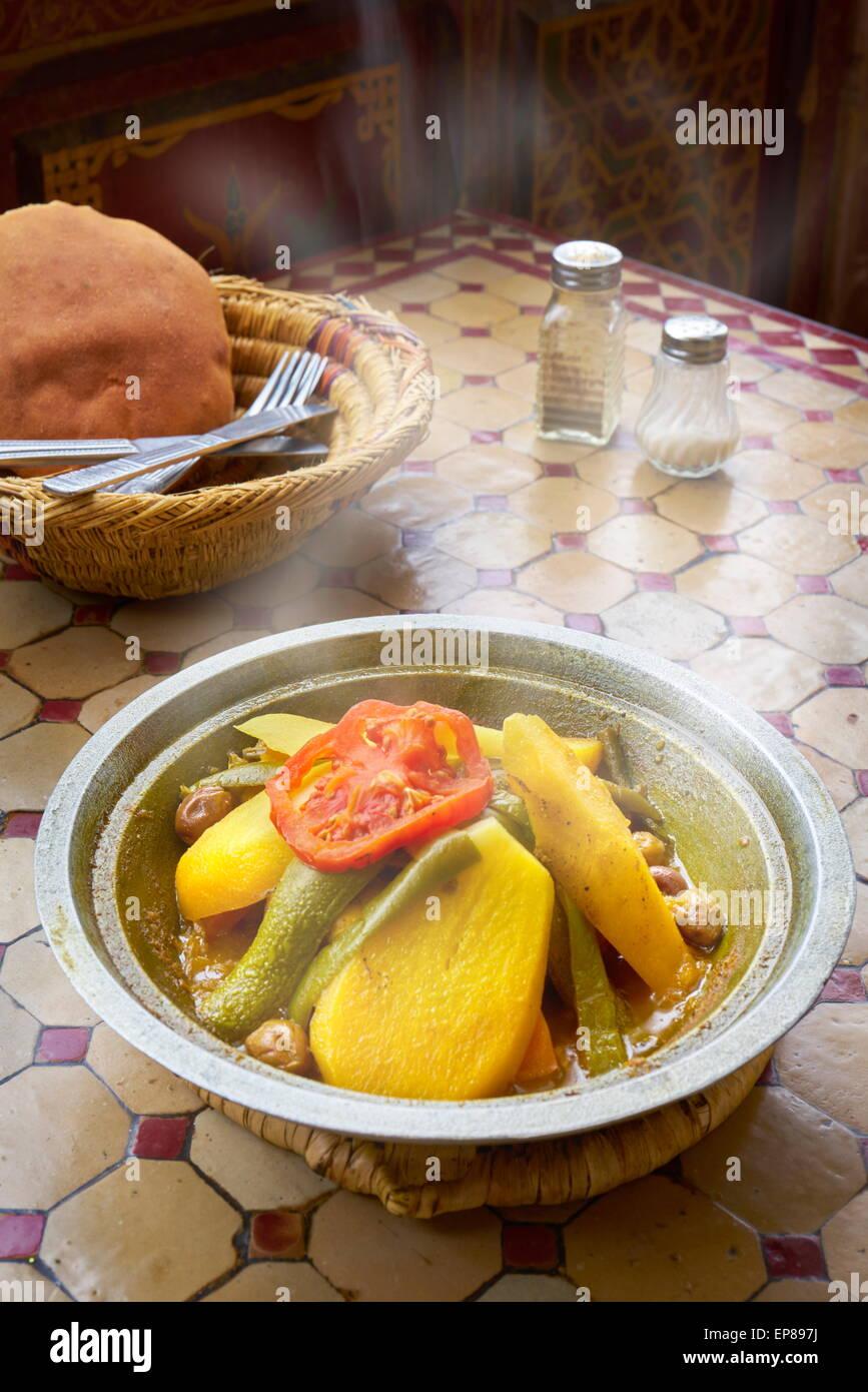 Plat traditionnel marocain - tajine. Maroc Photo Stock