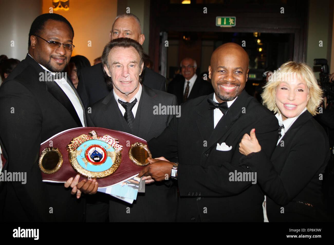 Sportpresseball - Français Sports Media Ball 2014 tenue à l'Alte Oper comprend: Lamon BREWSTER,Rene WELLER,Maria,Riddick Banque D'Images
