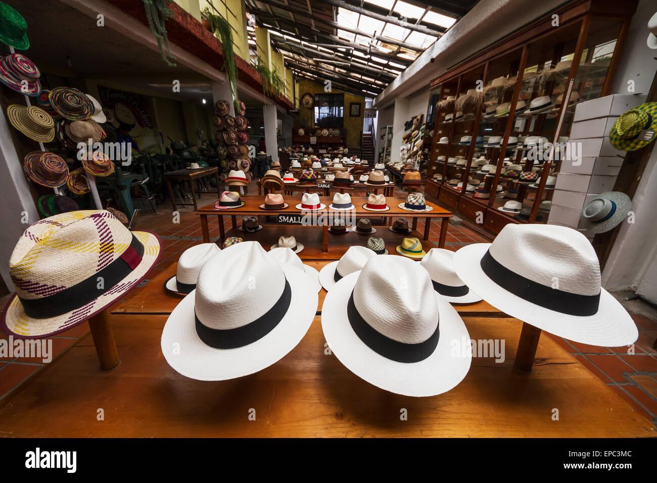 Chapeaux Panama à vendre dans le showroom du Barranco Panama Hat Factory 33792a2633f