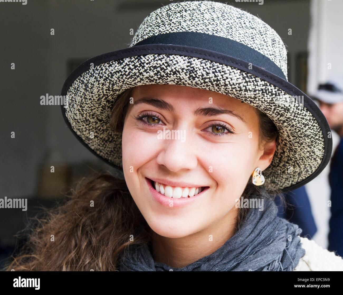 Femme à l Homero Ortega Panama Hat Factory c01a544e7bf