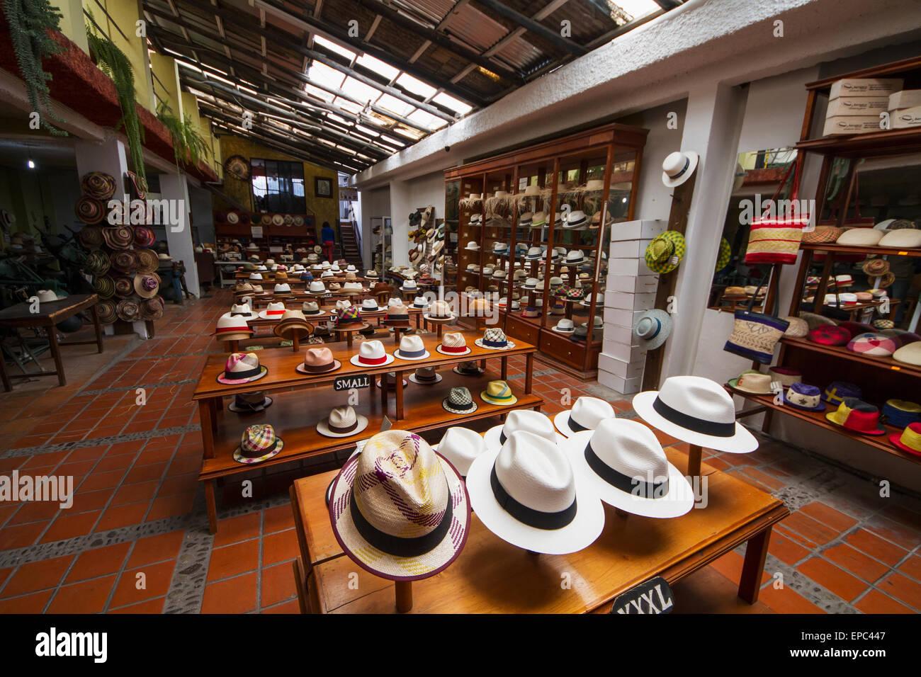 Chapeaux Panama à vendre dans le showroom du Barranco Panama Hat Factory d214dc8a366