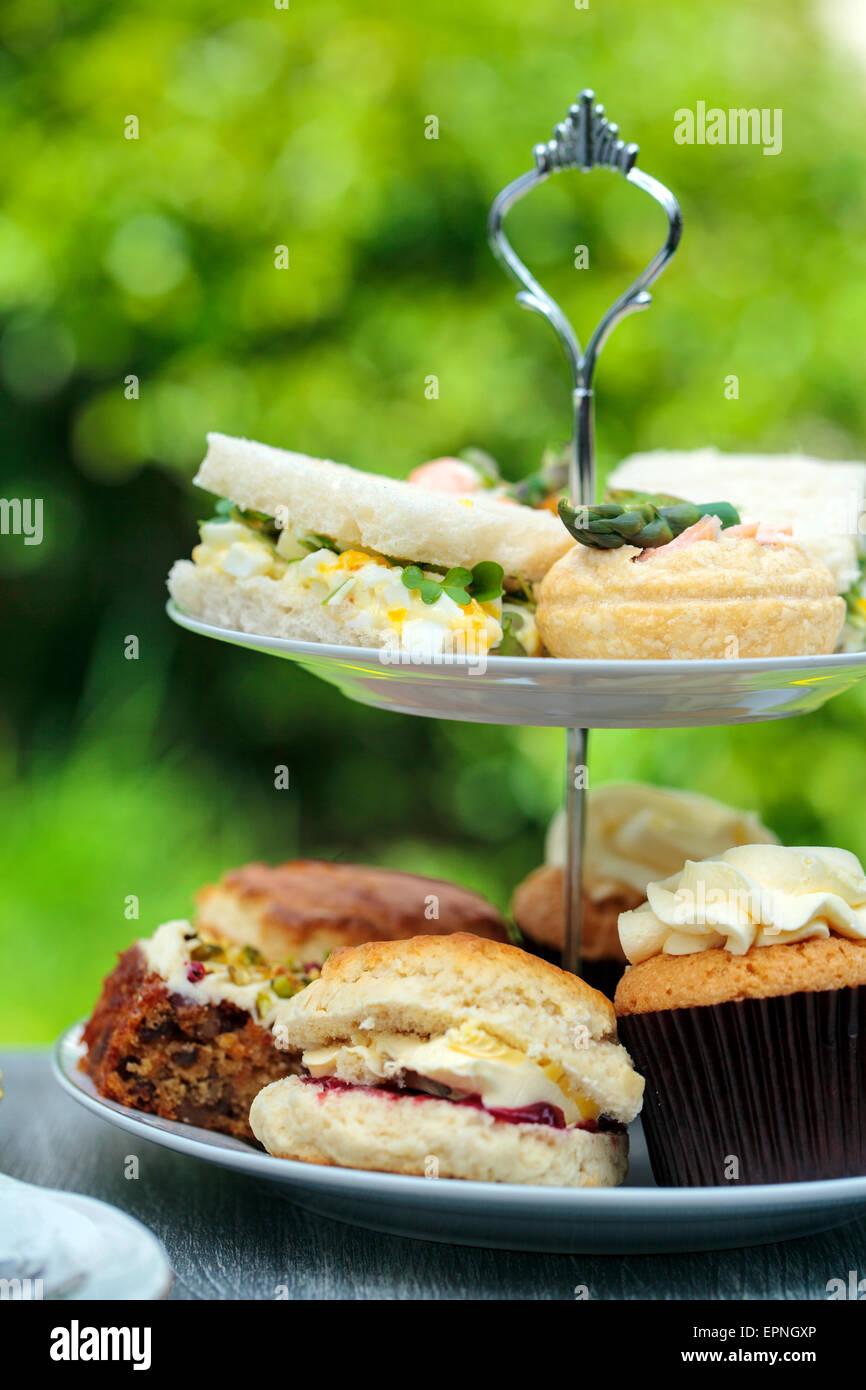 Thé de l'après-midi dans le jardin Photo Stock