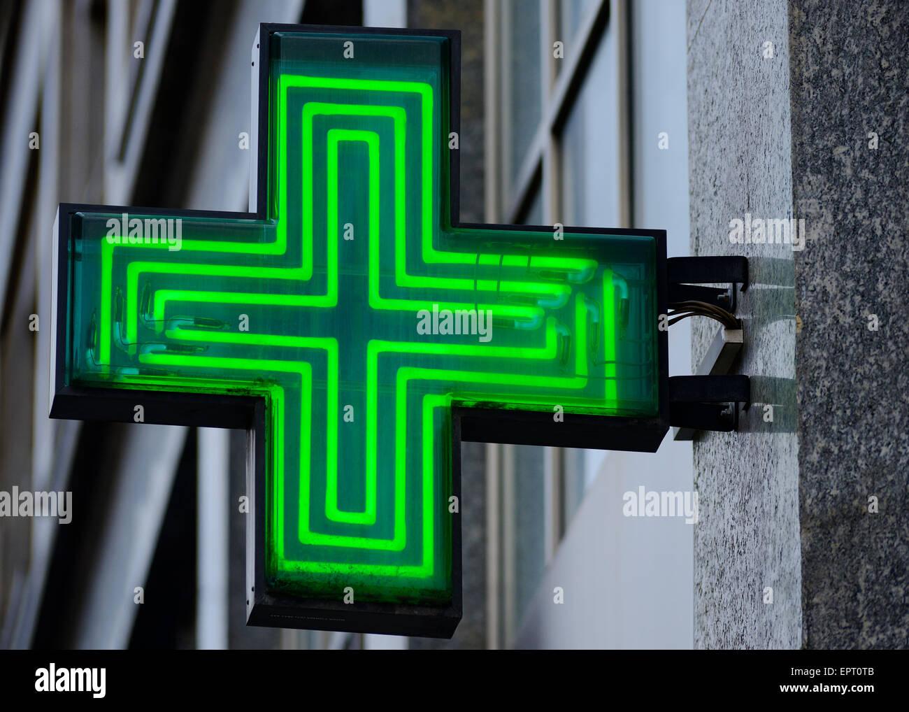 Signe de la pharmacie, de la Croatie. Photo Stock