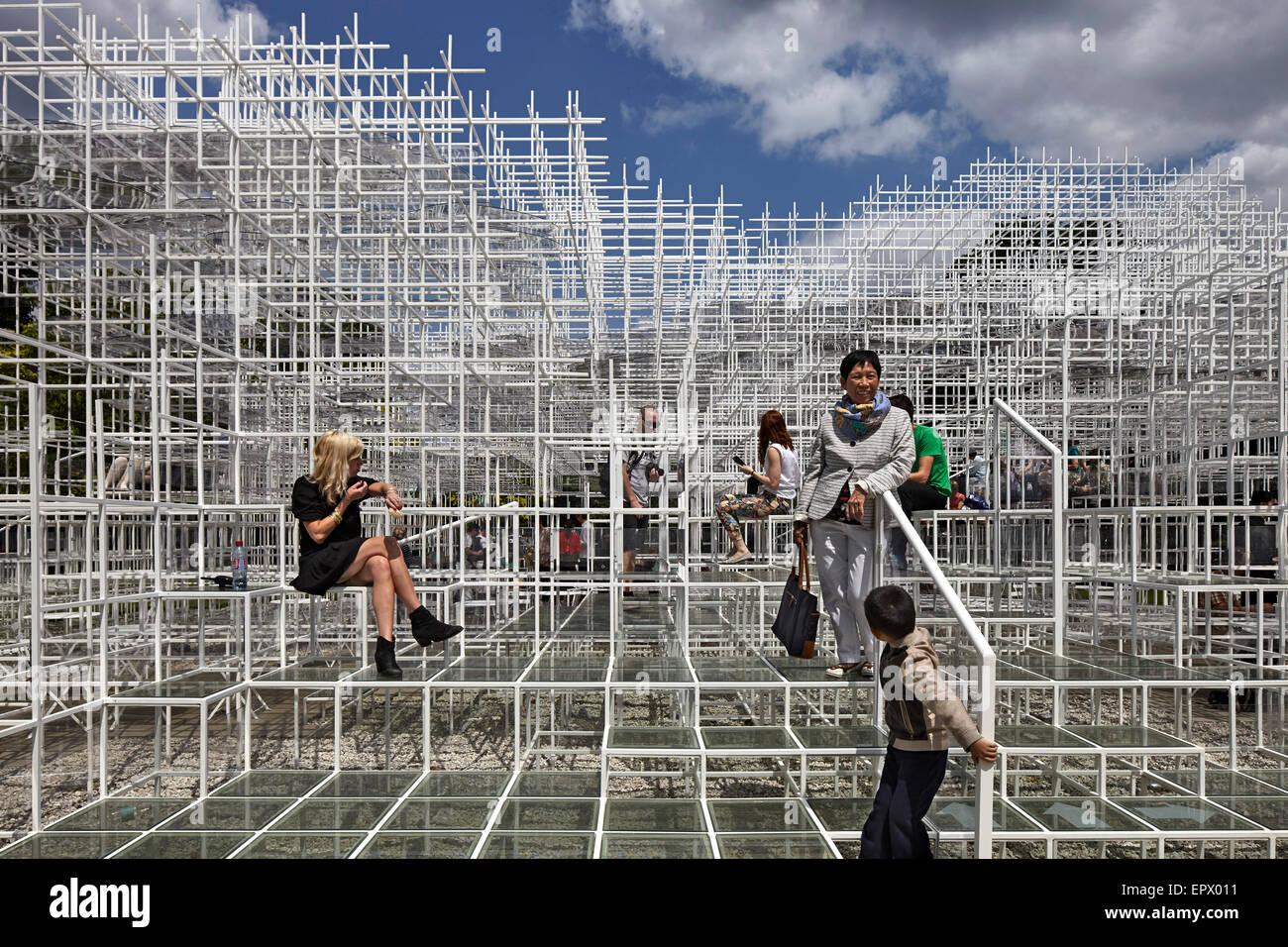 L'architecture temporaire de l'installation, la Serpentine Pavilion 2013, Kensington Gardens, London, England, Photo Stock